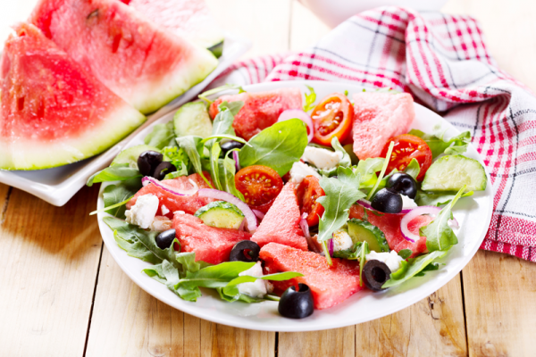 Juli-Rezepte-Mediterrander-Melonensalat