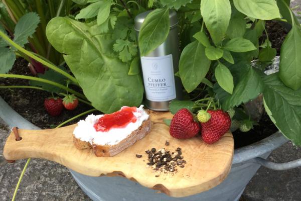 Erdbeer-Marmelade-mit-Cumeo-Pfeffer