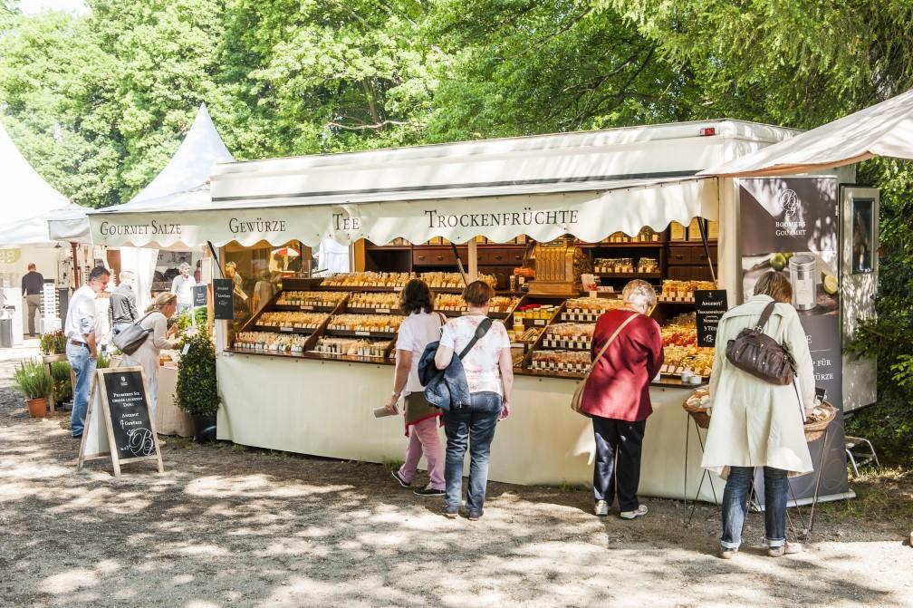 Wochenmarktstand von Boomers Gourmet in Adendorf
