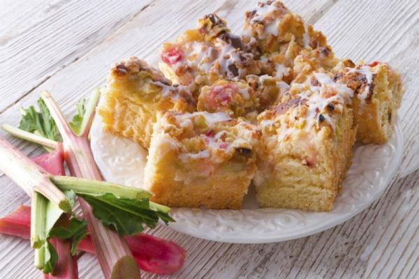 Rhabarberkuchen-Rezept-So-schmeckt-der-April