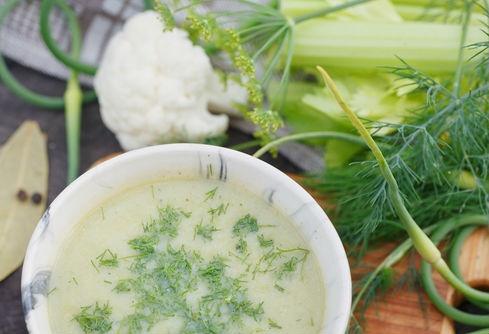 Blumenkohlsuppe-mit-Fenchel